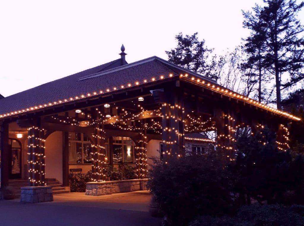 Victoria Golf Club Warm White Super Bright Globe Light on Roof Line